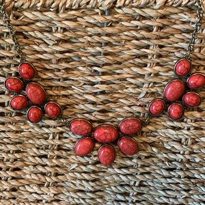 Jewelry - Red/Brushed gold statement necklace
